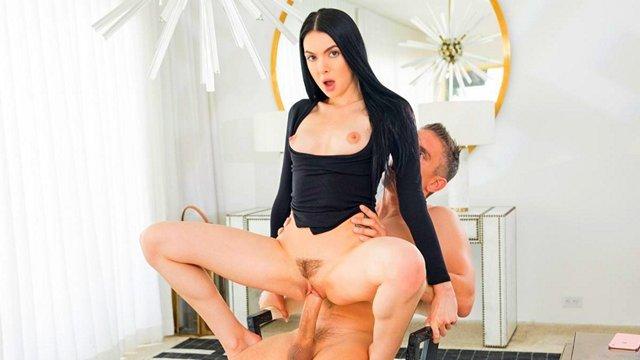 Секс с жгучей женщиной смотреть видео