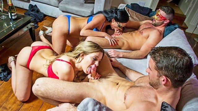 Свинг секс видео смотреть онлайн