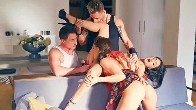 Иностранный секс на улице hd