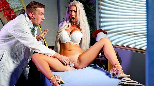 Порно фильм порно в доктора в хорошем качестве порно большими поршнями