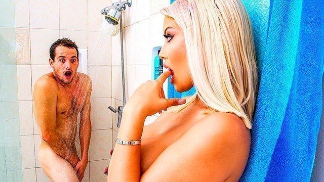 porno-sidelka-v-dushe-laura-dzheyn-porno