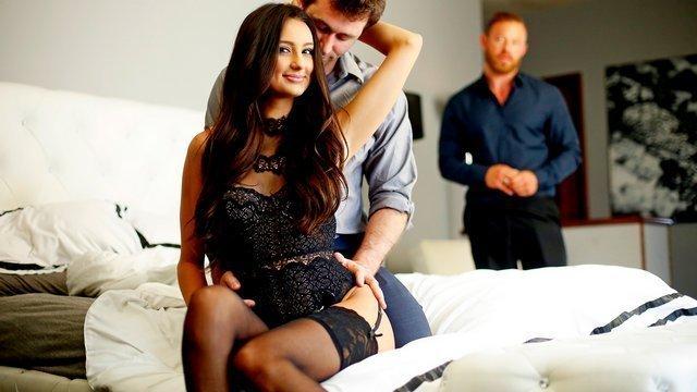 Раздолбанные жопы смотреть ххх муж приходит а жена с любовником вагин