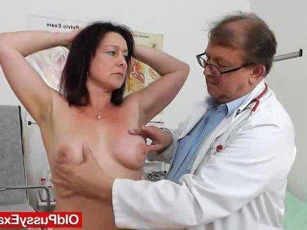 Вагина зрелые гинеколог видео