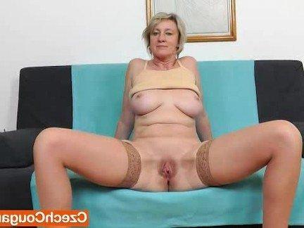 porno-dlinniy-razrez-vagini