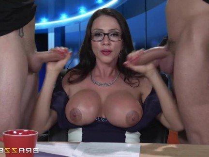 Валшие сиски у женшины порно сус