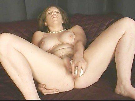 Порно сосут клитор грубо